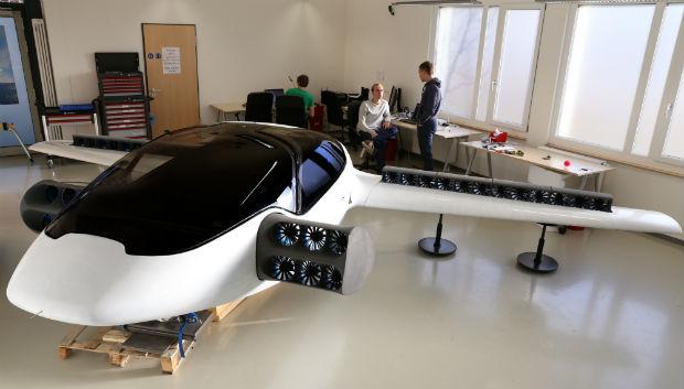 Auto Elettrica Volante: il Germania il Primo Test