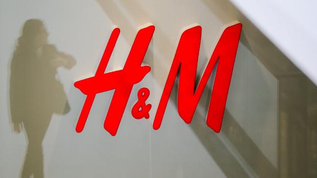 Licenziamenti H&M, 4 Negozi Chiusi e 95 Dipendenti a Casa